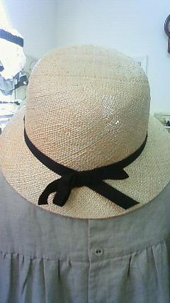 麦わら帽子バックスタイル