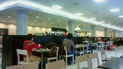 学生食堂内部