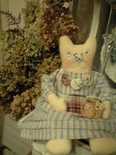 隣のネコ天使 日立市 庄司さん作