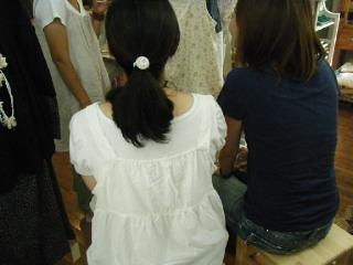 特別席でファッションショー見学
